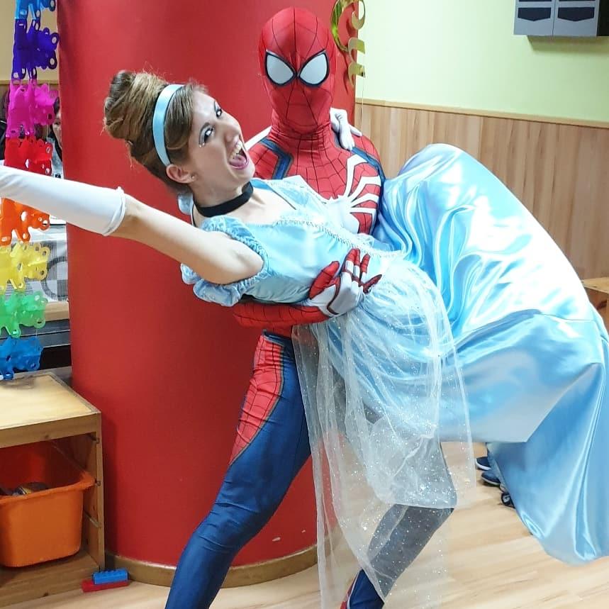 Fiestas de princesas y superhéroes